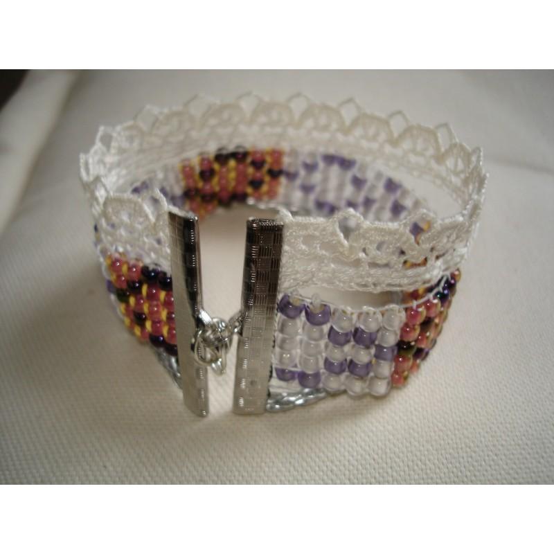 bracelet manchette avec perles de verre cuir et dentelle id e cadeau maman amie pour soi m me. Black Bedroom Furniture Sets. Home Design Ideas
