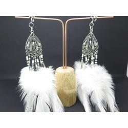 PAIRE DE BOUCLES D'OREILLE PERSONNALISABLE CLIP OU OREILLE PERCÉE PLUME ROUGE et perles STYLE BOHO F de Bm créations